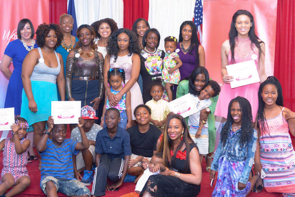 The children, friends and family that gathered to support te mompreneurs for their celebration
